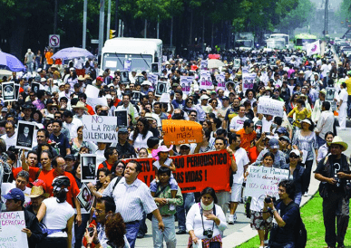 Journalists Protest against rising violence during march in Mexico by Knight Foundation